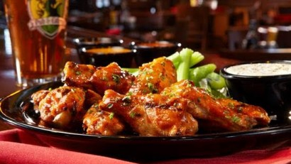 Tilted Kilt Chicken Wings