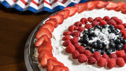 The Star Spangled Scoopable Cake is the perfect dessert for a patriotic or Avengers themed party. Inspired by Captain America it is perfect for the geek in your life! 2geekswhoeat.com #geek #dessert