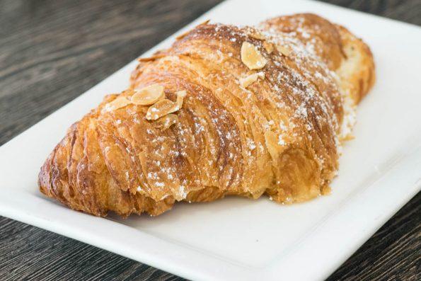Delice-Bistro Almond-Croissant