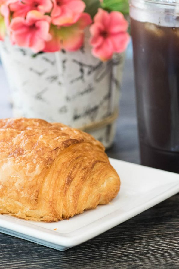 Delice-Bistro-Cheese-Croissant