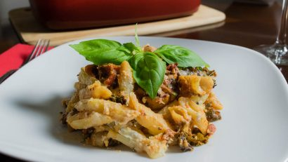Fully Loaded Veggie Pasta Bake Facebook Cut 2geekswhoeat.com #pasta #recipe