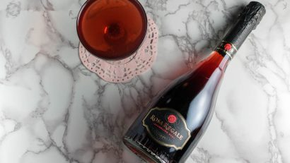 Reminiscent of their Honeymoon at Epcot, The Honeymooner Cocktail featuring Rosa Regale reminds drinkers that every day can be a Honeymoon! 2geekswhoeat.com #cocktails #bubbles
