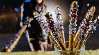 Walking Dead Recipes   Halloween Recipes   Snack Recipes   Inpired by Negan's terrifying bat Lucille, The Geeks celebrate Season 7's home release with Lucille Pretzel Bats! 2geekswhoeat.com