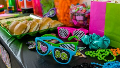 80s Themed Party | Party Guide | Party DIY | The Geeks have put together a guide on how to throw a totally radical 80s themed party! The guide includes food, decor, and even entertainment suggestions! 2geekswhoeat.com