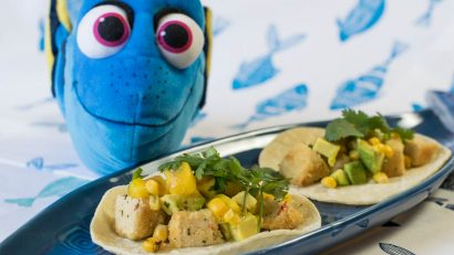 Commemorating the release of Finding Dory, the Geeks have created a vegan taco recipe featuring Gardein Crabless Crabcakes 2geekswhoeat.com #tacos #Pixar #FindingDory