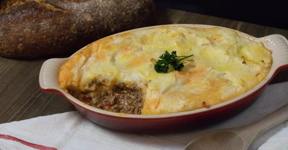 The Geeks partner up with Phoenix Public Market to bring you their Italian style Shepherd's Pie, Contadino's Pie! 2geekswhoeat.com #recipe #Italian #sponsored