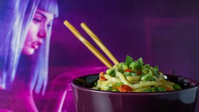 Inspired by a dish they tried at SDCC, The Geeks have created their own version of the Spirited Noodles served in the Blade Runner 2049 Experience. 2geekswhoeat.com #BladeRunner #NoodleRecipes #MovieInspiredRecipes #GeekyRecipes #GeekyFood #GeekRecipes
