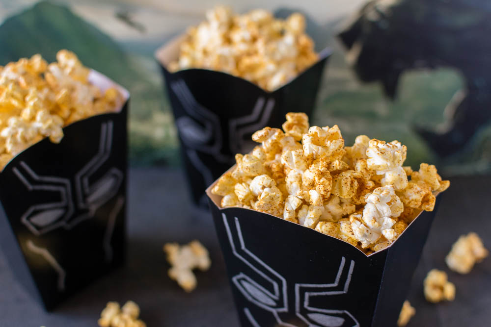 Black Panther | Marvel Recipes | Comic Book Recipes | Popcorn Recipes | The Geeks celebrate the world of Wakanda and the Black Panther movie with a Berbere Spiced Popcorn recipe! 2geekswhoeat.com