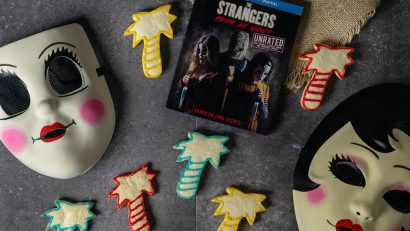 Horror Movie Recipes | Halloween Recipes | Cookie Recipes | Cut Out Cookies | The Strangers: Prey at Night | The Geeks have created a brand new fun recipe, Total Eclipse Cookies, for The Strangers: Prey at Night! [sponsored] 2geekswhoeat.com