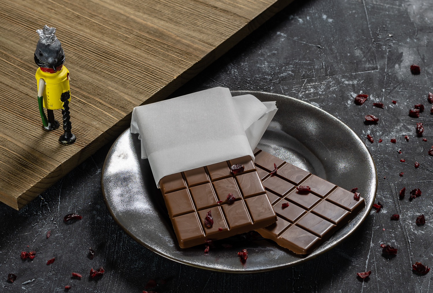 Horror Movie Recipes | Candy Bar Recipes | Hereditary | Horror | Halloween | To celebrate the home release of Hereditary, one of their favorite movies of the year, The Geeks have created a recipe inspired by the film. [sponsored] 2geekswhoeat.com