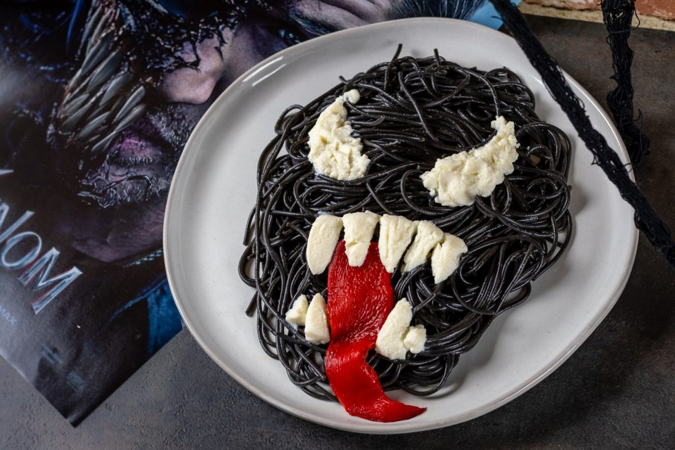 Marvel Recipes | Pasta | Venom Recipes | Geeky Recipes | Vegetarian | To celebrate the release of Venom, The Geeks have created a recipe for Symbiote Spaghetti inspired by the movie and comics. 2geekswhoeat.com
