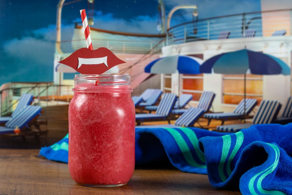Halloween Recipes | Smoothie Recipes | Hotel Transylvania Recipes | October may not be traditional cruise season but Drac, Mavis, and crew are enjoying one in Hotel Transylvania 3! Live the cruise life at home with Drac's Spooky Smoothie! [Sponsored] 2geekswhoeat.com