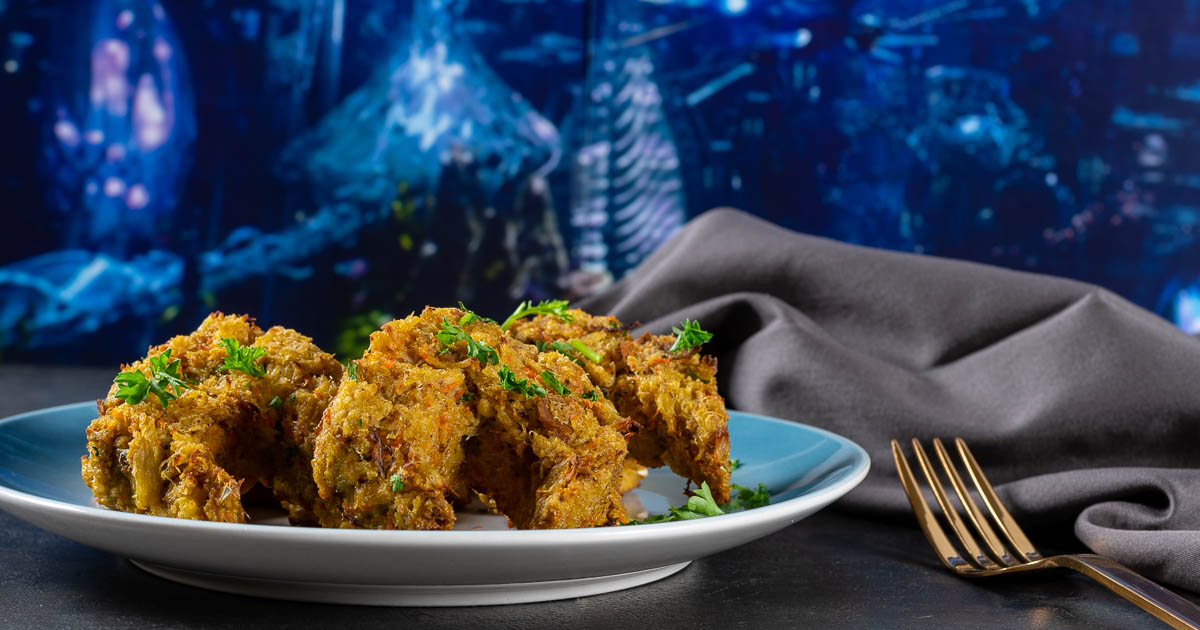 Comic Book Recipes | Crab Cakes | Appetizer Recipes | Inspired by DC's latest film Aquaman, The Geeks have created delicious Atlantean Crab Cakes. These tasty treats are perfect for a movie night! 2geekswhoeat.com
