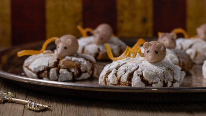 [Sponsored] Excited for the Blu-ray release of The Nutcracker and the Four Realms, The Geeks have created a recipe for Mother Ginger Crinkle Cookies. These cookies are sure to impress! 2geekswhoeat.com #DisneyRecipes #Cookies #ChristmasRecipes #CrinkleCookies #Nutcracker #Christmas #HolidayRecipes