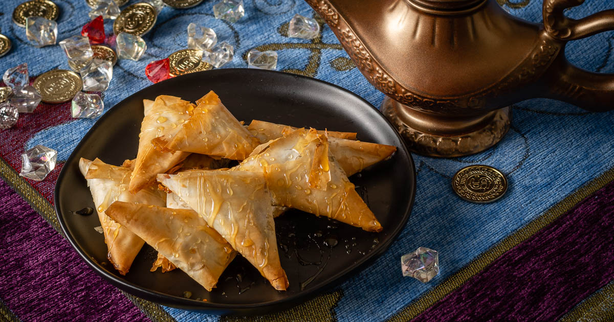 Aladdin | Disney Food | Disney Recipes | Disney Snacks | Inspired by the live action remake of Aladdin, The Geeks have created a recipe for Agrabah Baklava Bites. This sweet treat is perfect for movie night! 2geekswhoeat.com