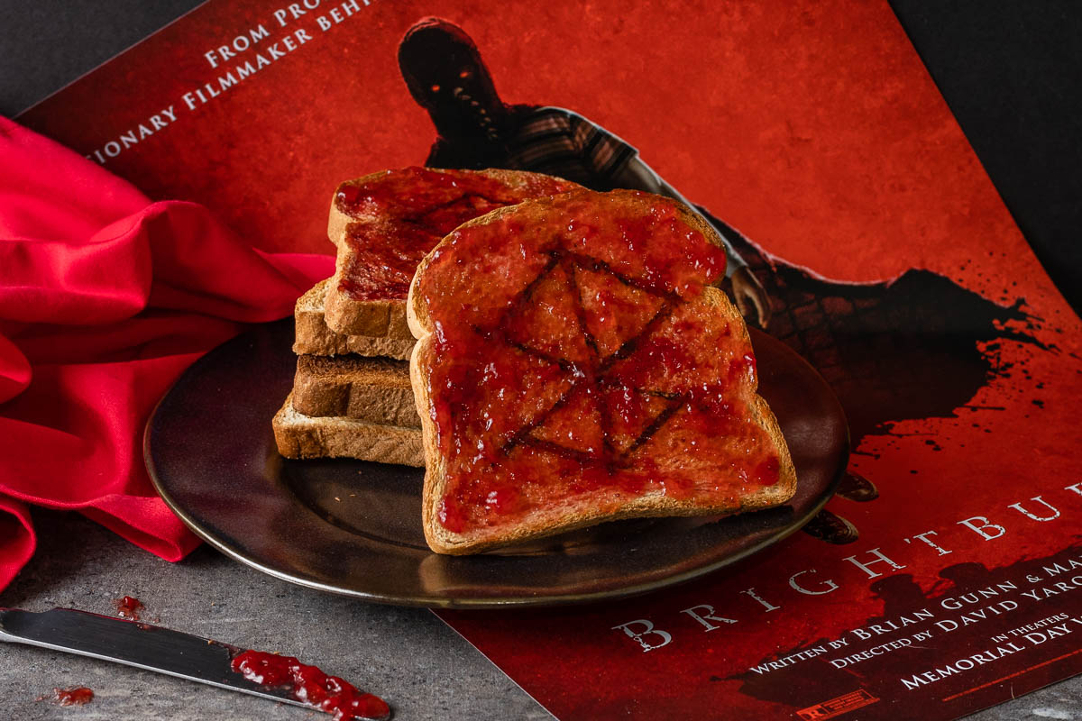 Brightburn | Horror Recipes | Superhero Recipes | Toast | Stoked for the horror superhero film Brightburn, The Geeks have put together a DIY guide to creating a design in your toast! 2geekswhoeat.com