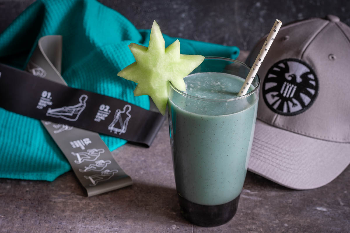 [Sponsored] Marvel Recipes | Workout Shake | Captain Marvel | Want to get in superhero shape this summer? The Geeks have created a new recipe, Star Force Kree-atine Smoothie, perfect for for a pre-workout snack! 2geekswhoeat.com