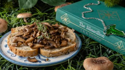 Inspired by J.R.R. Tolkien's hobbit-like love of mushrooms and the film Tolkien, The Geeks have come up with a delicious and easy recipe for Hobbit Style Mushroom Toast. 2geekswhoeat.com #MiddleEarthRecipes #Tolkien #LordoftheRingsRecipes #HobbitRecipes