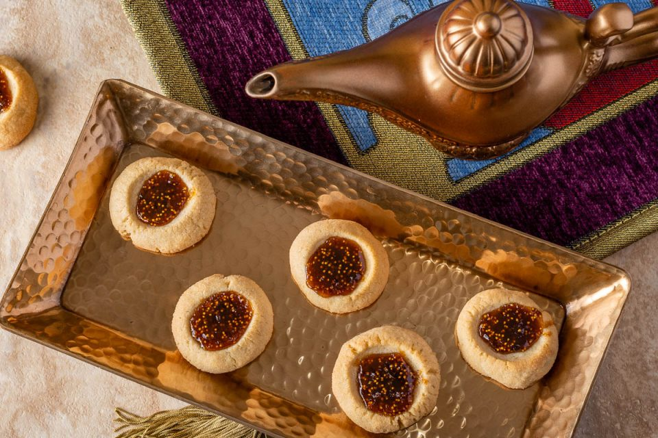 [AD] Aladdin | Disney Recipes | Cookie Recipes | Movie Night| Celebrate the release of Disney's live-action rendition of Aladdin with The Geeks' latest recipe for Genie's Fig Jam Cookies! 2geekswhoeat.com