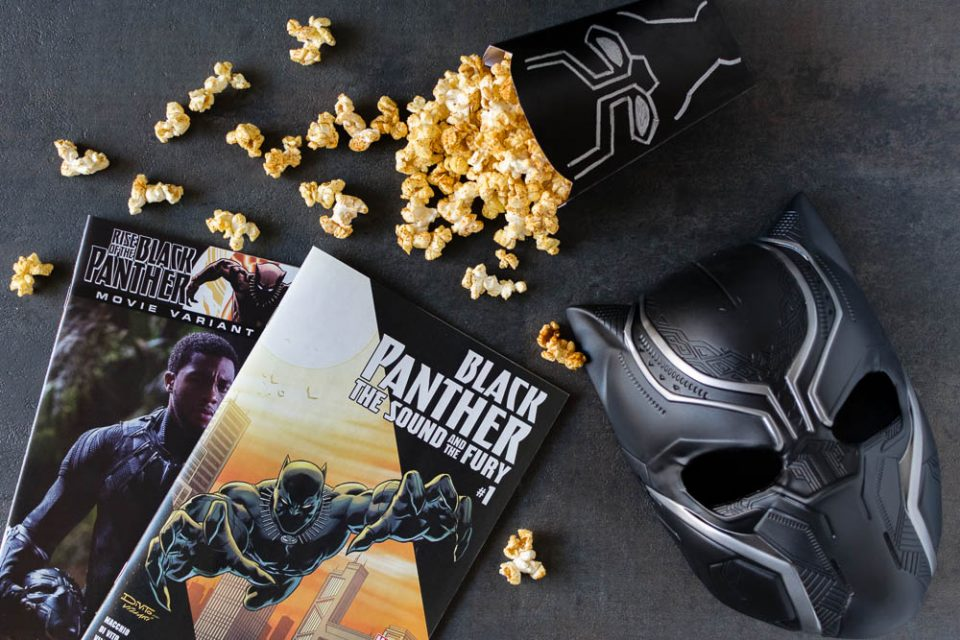 The Geeks celebrate the world of Wakanda and the Black Panther movie with a Berbere Spiced Popcorn recipe! 2geekswhoeat.com #BlackPanther #MarvelRecipes #ComicBookRecipes #PopcornRecipes #GeekyRecipes #Marvel
