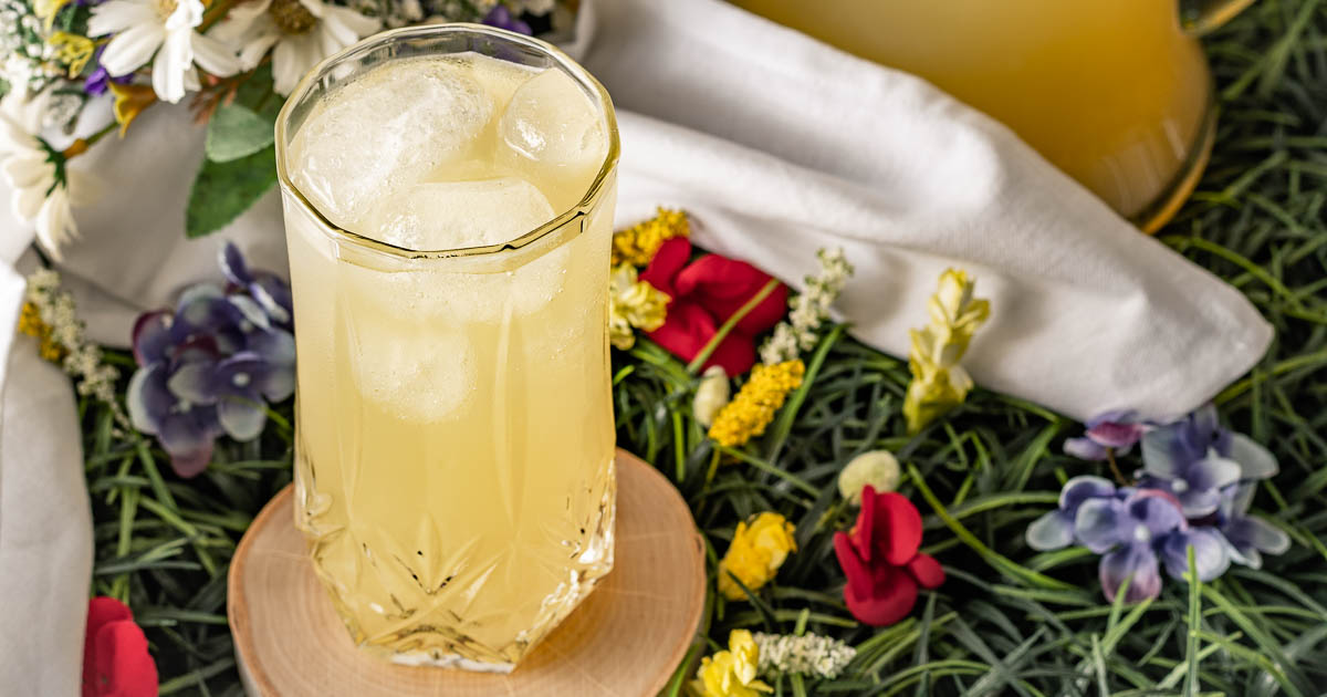 [Sponsored] To mark the blu-ray release of Midsommar, The Geeks have created 2 brand new recipes, the 2nd of which is their May Queen Lemonade similar to the drink seen in the movie! 2geekswhoeat.com #Midsommar #HorrorMovieRecipes #HalloweenRecipes #CocktailRecipes