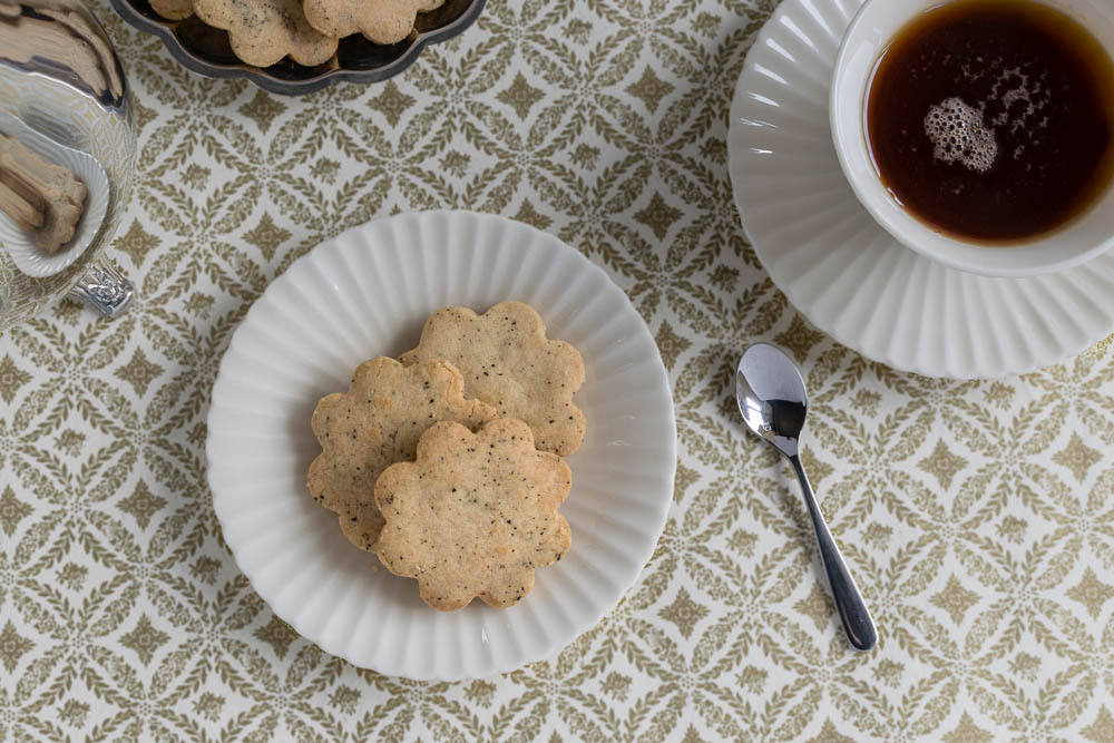 Inspired by the Netflix hit show, The Crown, The Geeks have whipped up a batch of Royal-Tea Cookies so good that they are fit for royalty! 2geekswhoeat.com #Netflix #TheCrown #Cookies #Baking #BakingRecipes #CookieRecipes #Tea #TeaTime