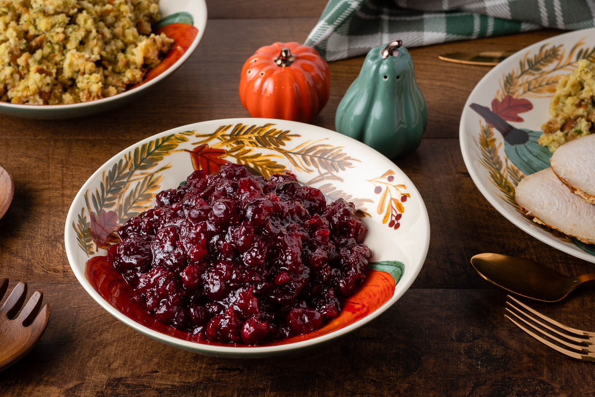 Inspired by Hulu's latest installment of Into the Dark, Pilgrim, The Geeks have a new Thanksgiving recipe for Cody's Cranberry Sauce that's sure to impress. 2geekswhoeat.com #Thanksgiving #CranberrySauce #Hulu #Pilgrim #SideDishes #Vegan #Vegetarian