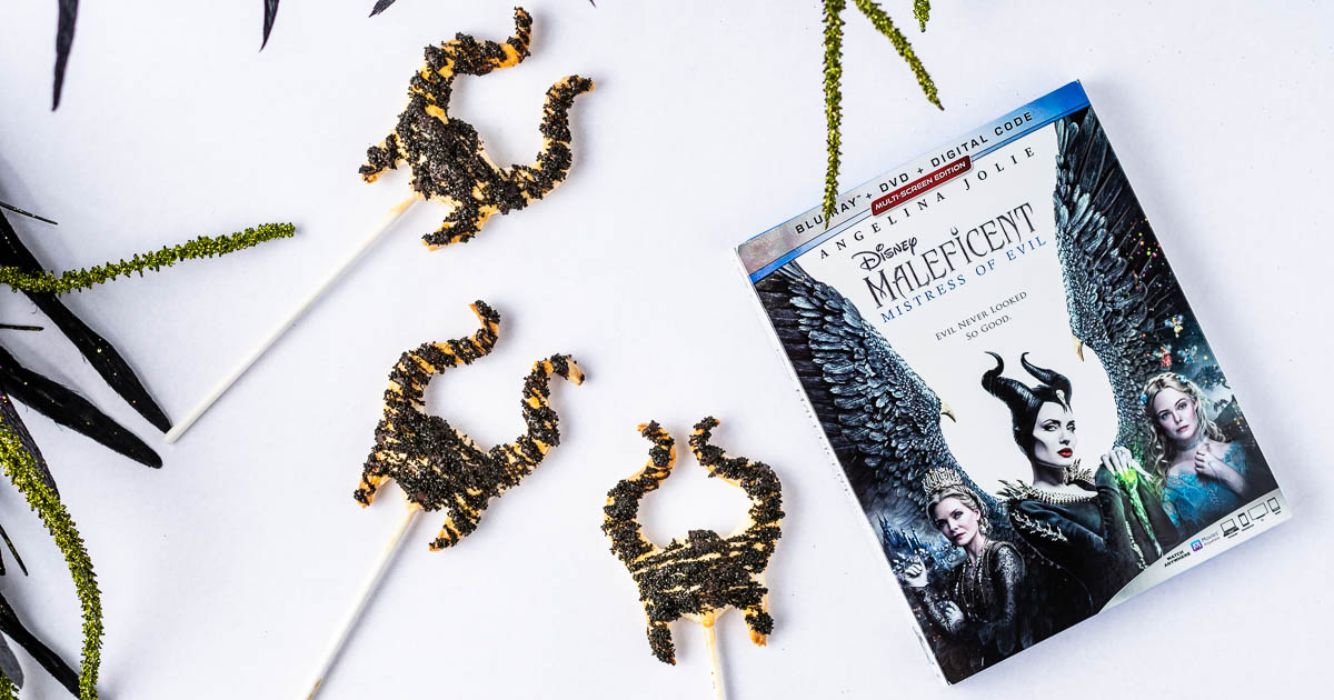 [AD] Inspired by the home release of Maleficent: Mistress of Evil, The Geeks have created a recipe for a cute but dark dessert called Mistress of Evil Pie Pops . 2geekswhoeat.com #DisneyRecipes #MaleficentMistressofEvil #DisneyFood #DisneyDesserts #GeekyFood #GeekyRecipes #Disney #Maleficent #PiePops