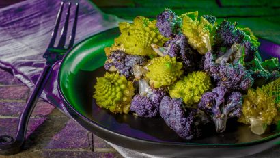 [Sponsored] To celebrate Downtown Phoenix Farmers Market's new name, The Geeks have created a new recipe inspired by World of Warcraft, Undercity Cauliflower! #GeekyFood #GeekyRecipes #WorldofWarcraft #FoodofWarcraft #VideoGameRecipes #VideoGameRecipes